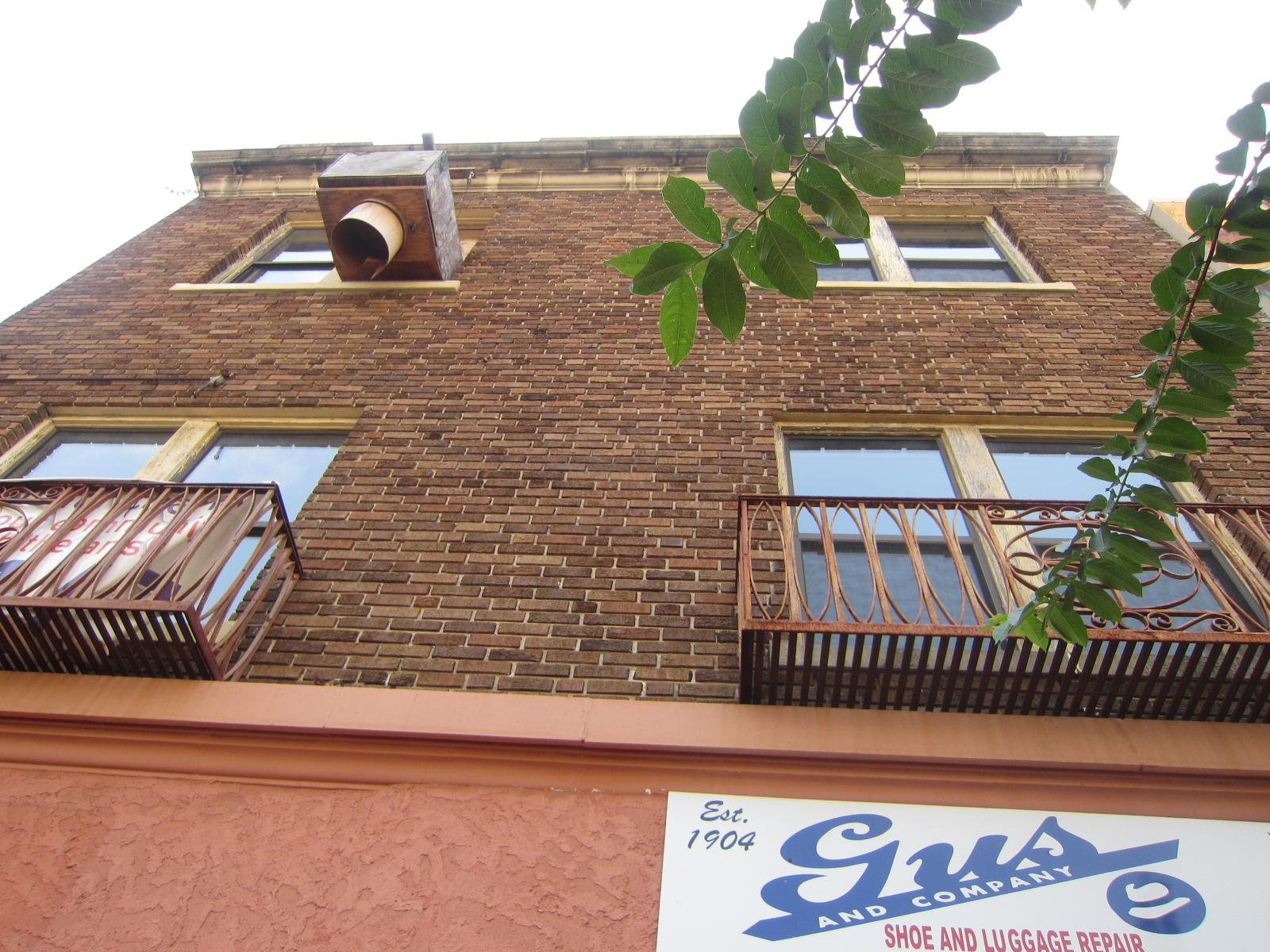 Chamblin\'s Uptown: Gus and Company Building   jaxpsychogeo